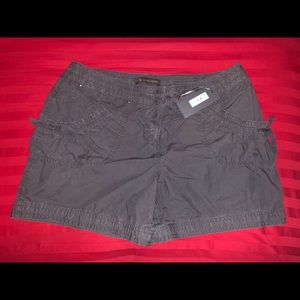 NWT Outback Red Utility Shorts